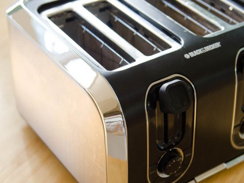 Some Tips To Clean the Toaster