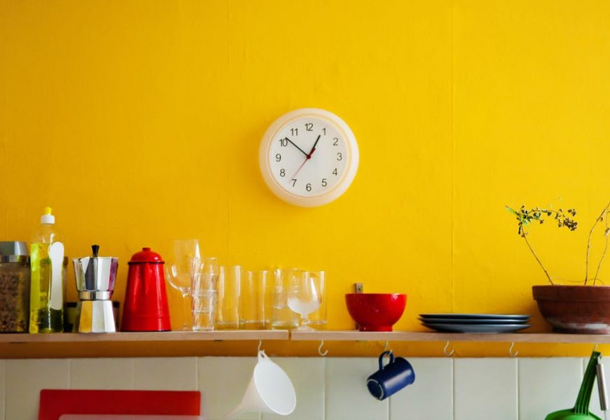 5 Cleaning Tools to Help You Make Up for The Missing Hour